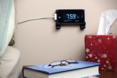 Dockem-Wall-Mount-for-Apple-iPhone-iPad-1